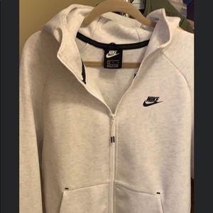 Brand new !!Nike Hoodie size L